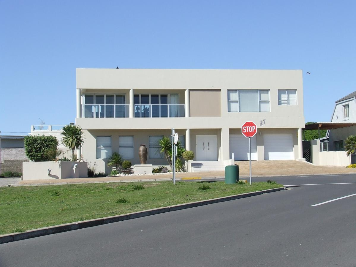5 Bedroom house for sale in Yzerfontein