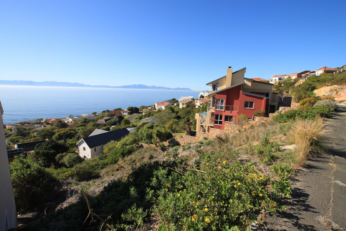 Vacant land for sale in Simons Town