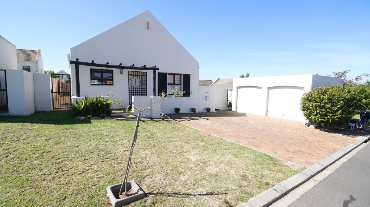 3 Bedroom house for sale in Pinehurst