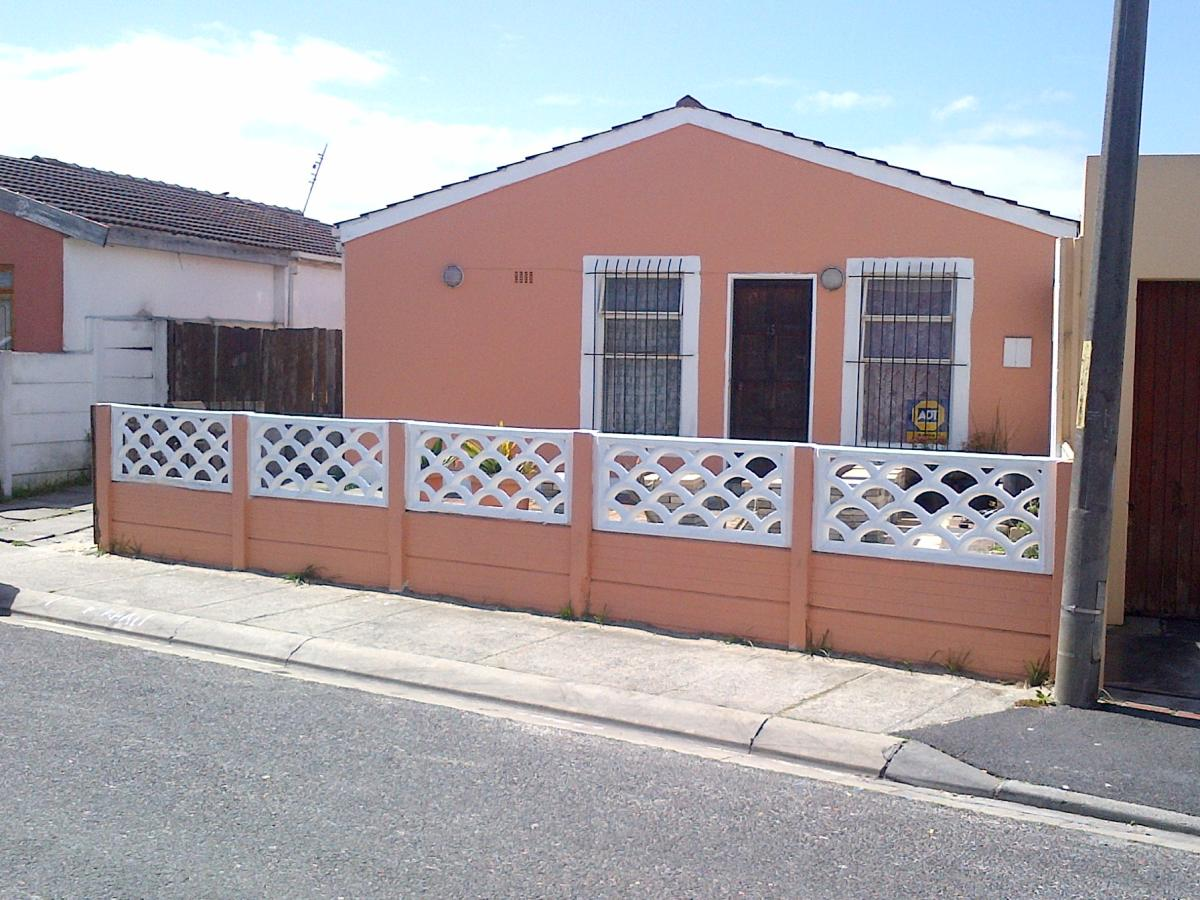2 Bedroom house for sale in Portlands