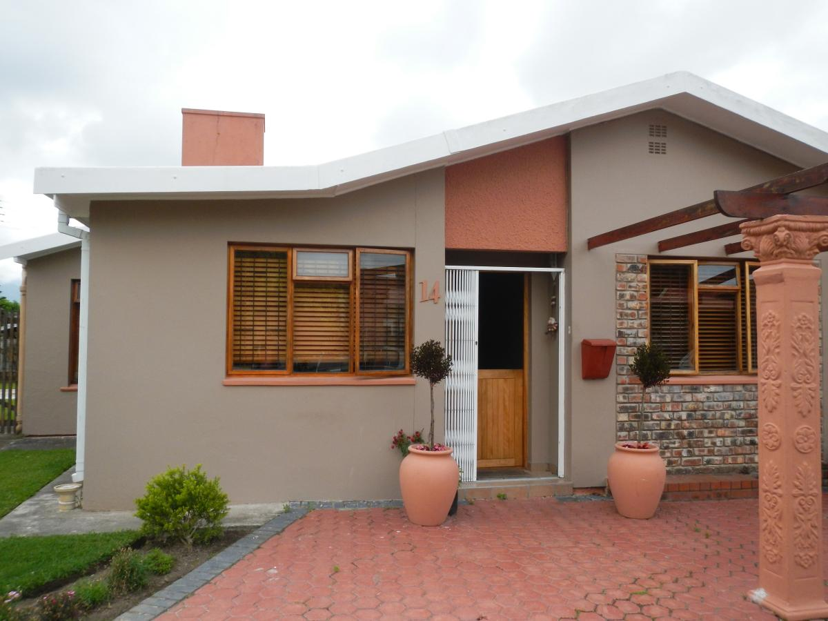 5 Bedroom house for sale in George South