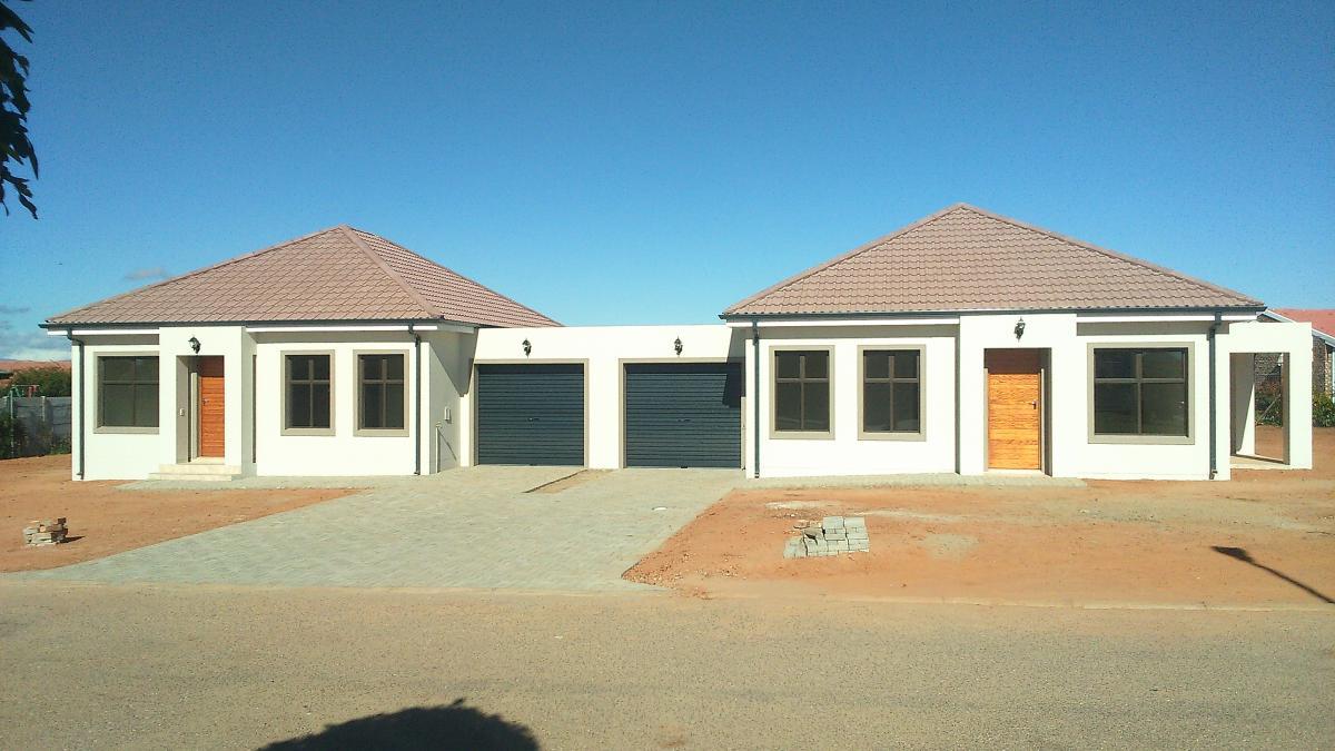 2 Bedroom house for sale in Oudtshoorn