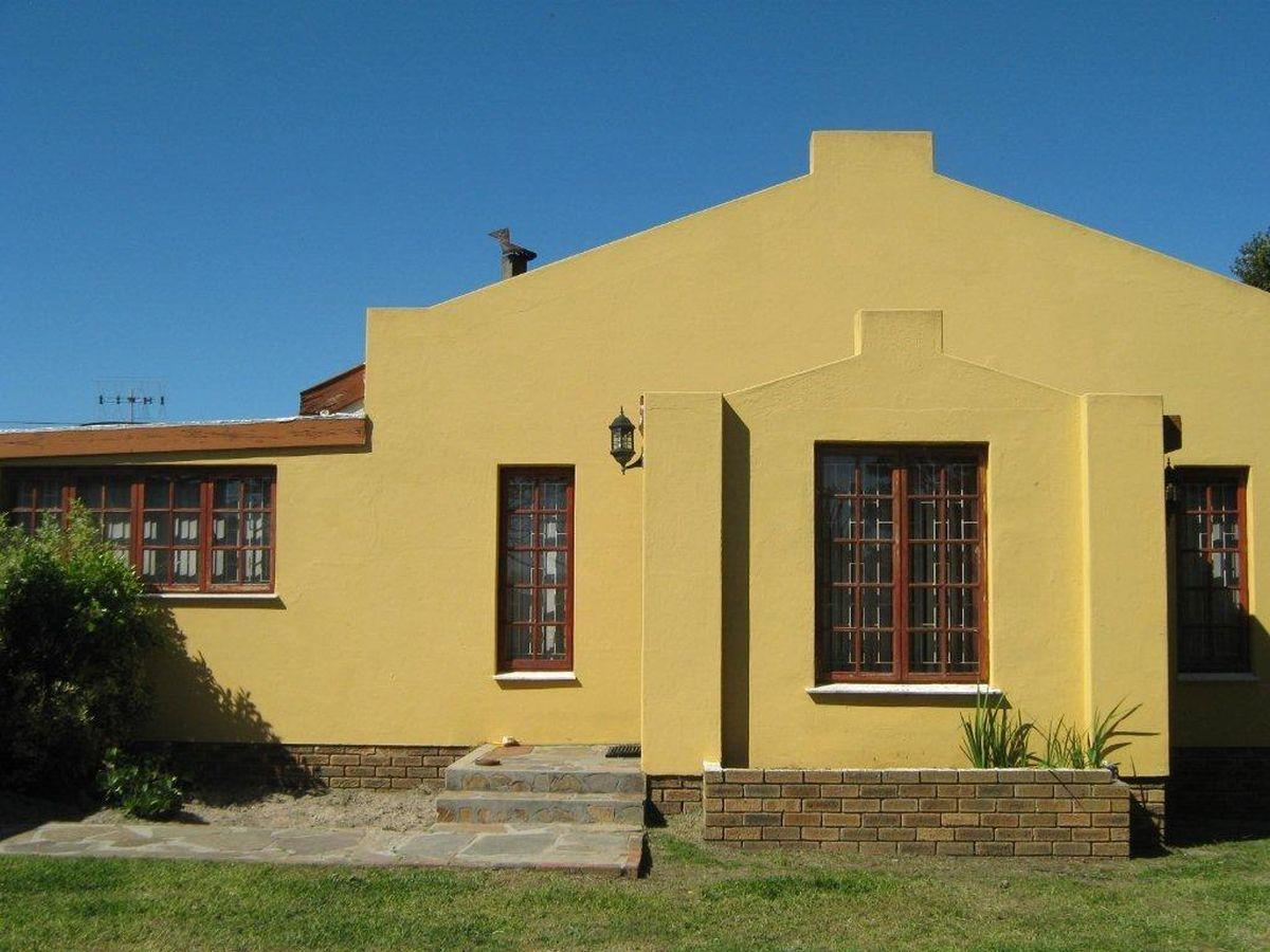 3 Bedroom house for sale in Bothasig