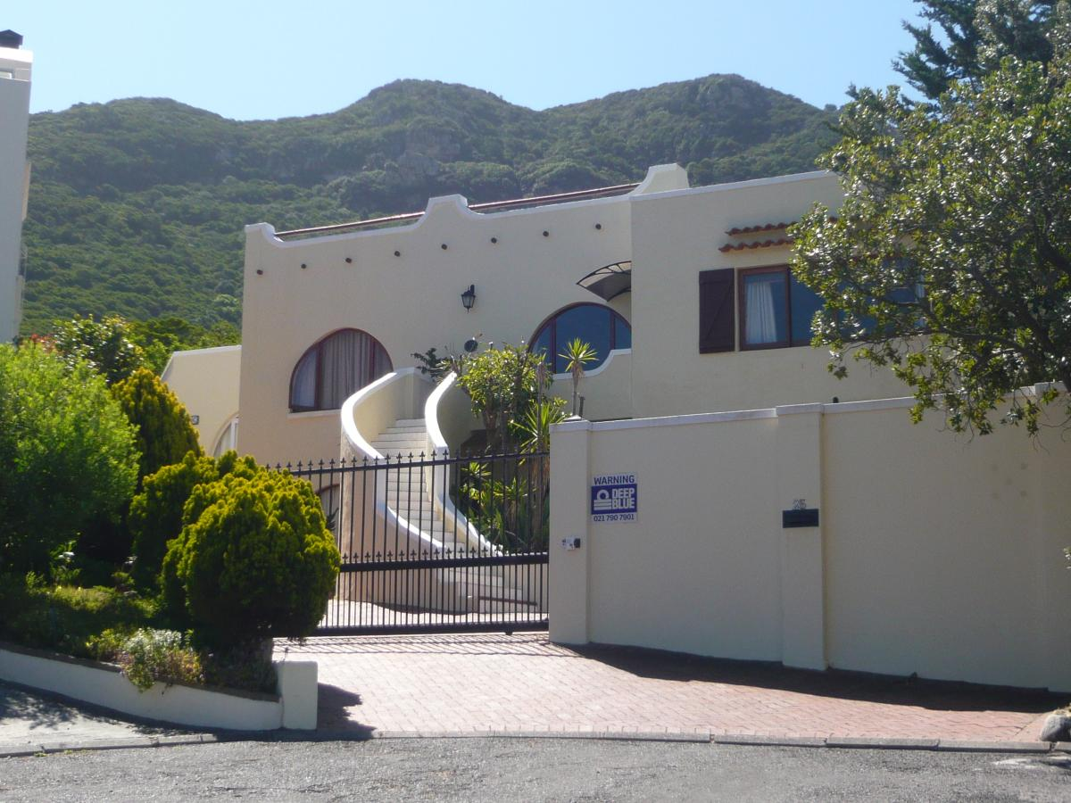 5 Bedroom house to rent in Hout Bay