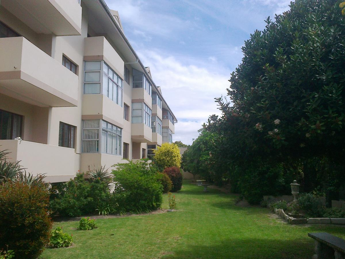 1 Bedroom apartment for sale in Northcliff