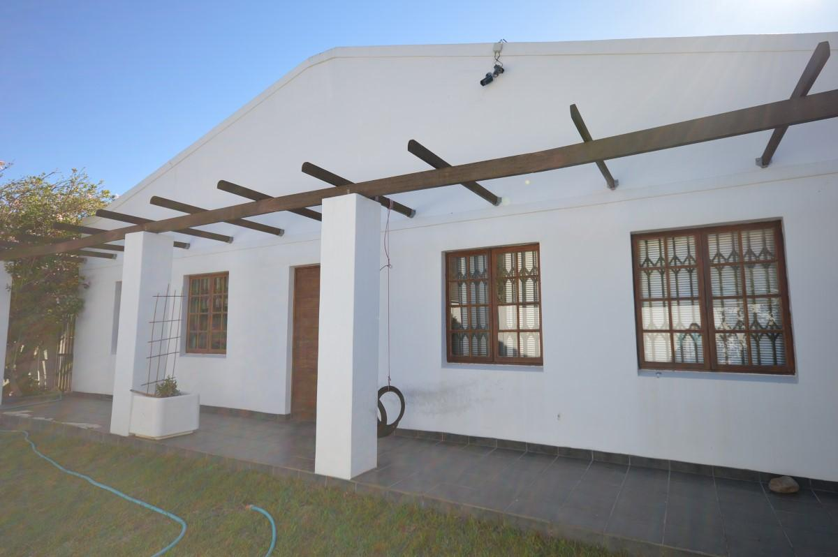 4 Bedroom house for sale in Gordons Bay