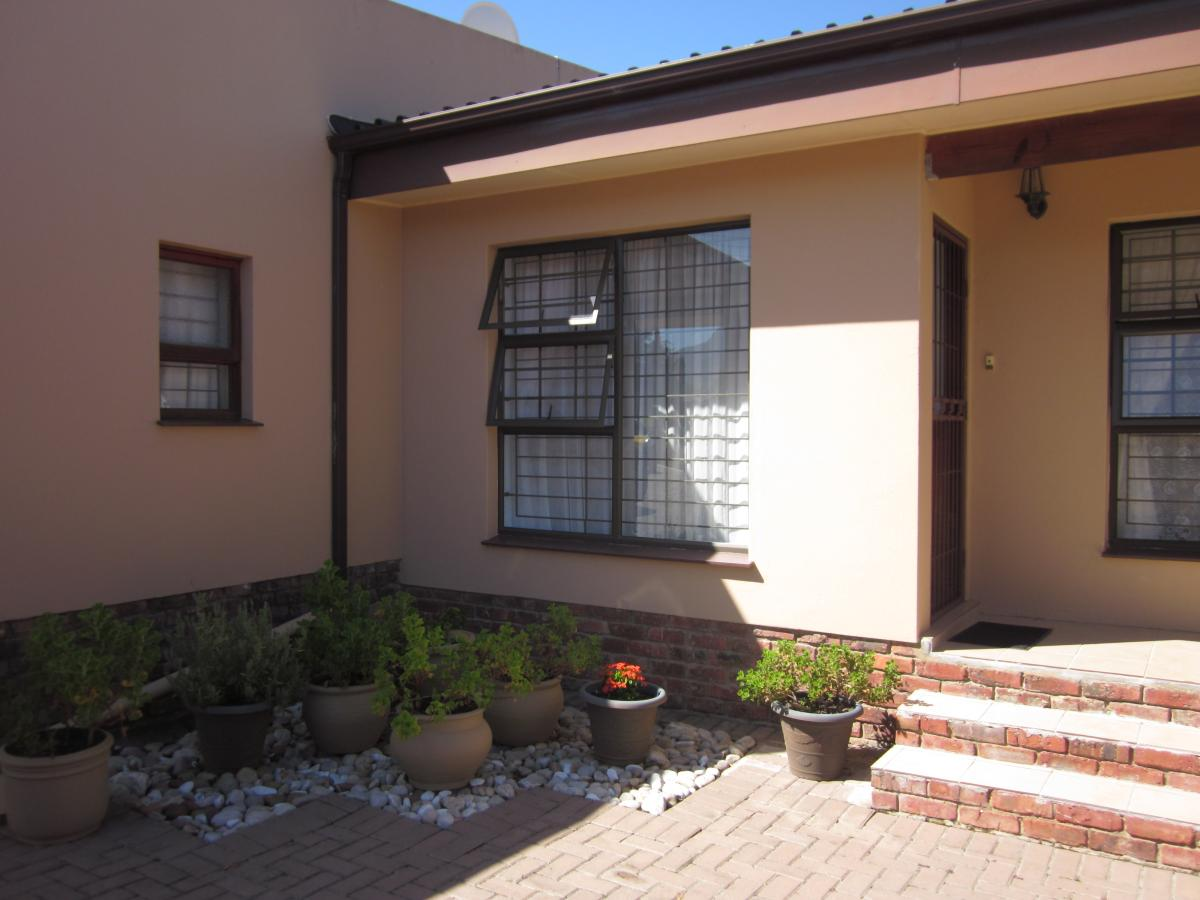 3 Bedroom house for sale in Heather Park