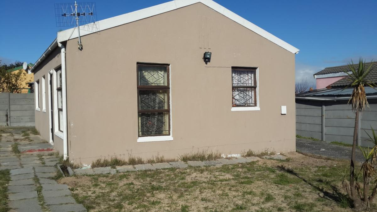 3 Bedroom house for sale in Camelot