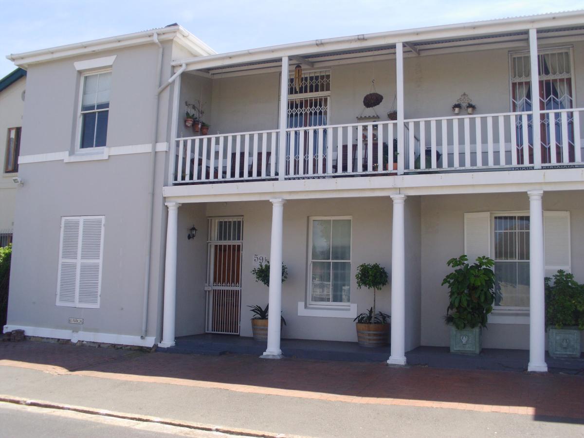 2 Bedroom apartment to rent in Claremont Upper