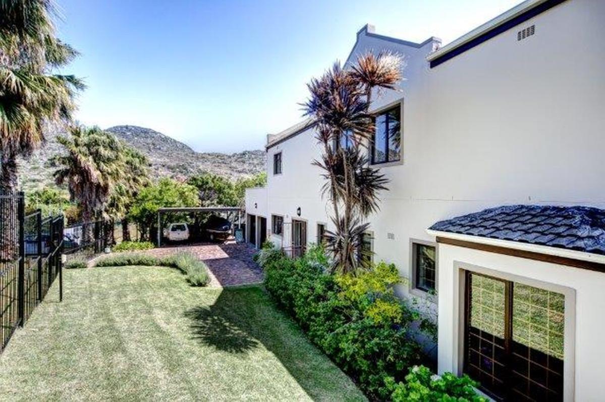5 Bedroom house for sale in Capri