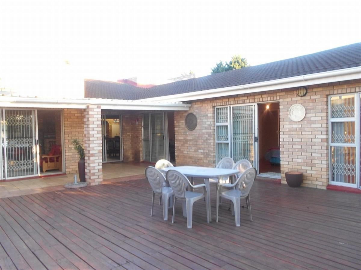 4 Bedroom house for sale in Vincent Heights