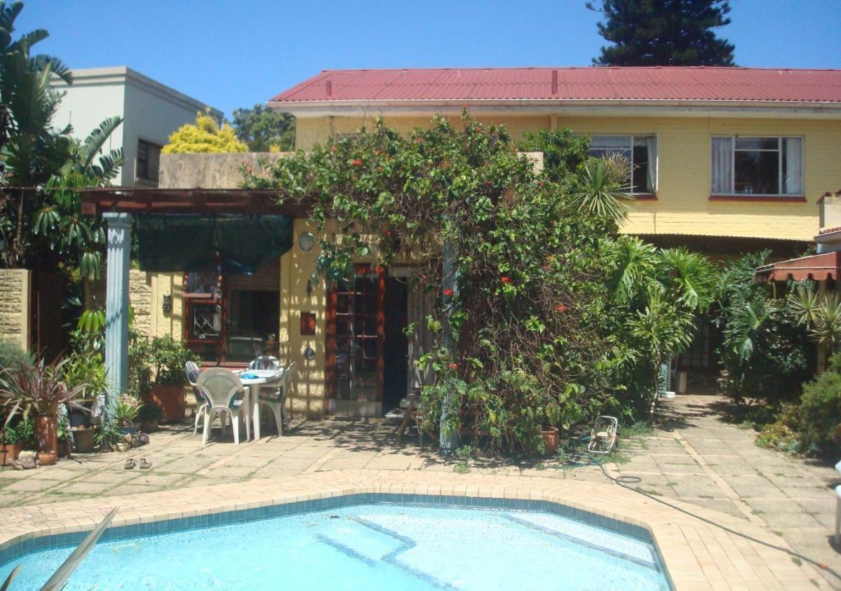5 Bedroom house for sale in Bonza Bay