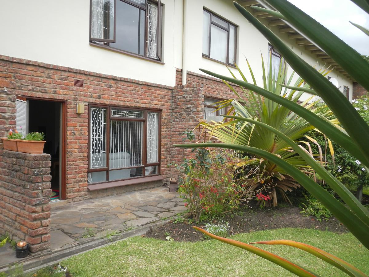 2 Bedroom duplex townhouse - sectional for sale in George