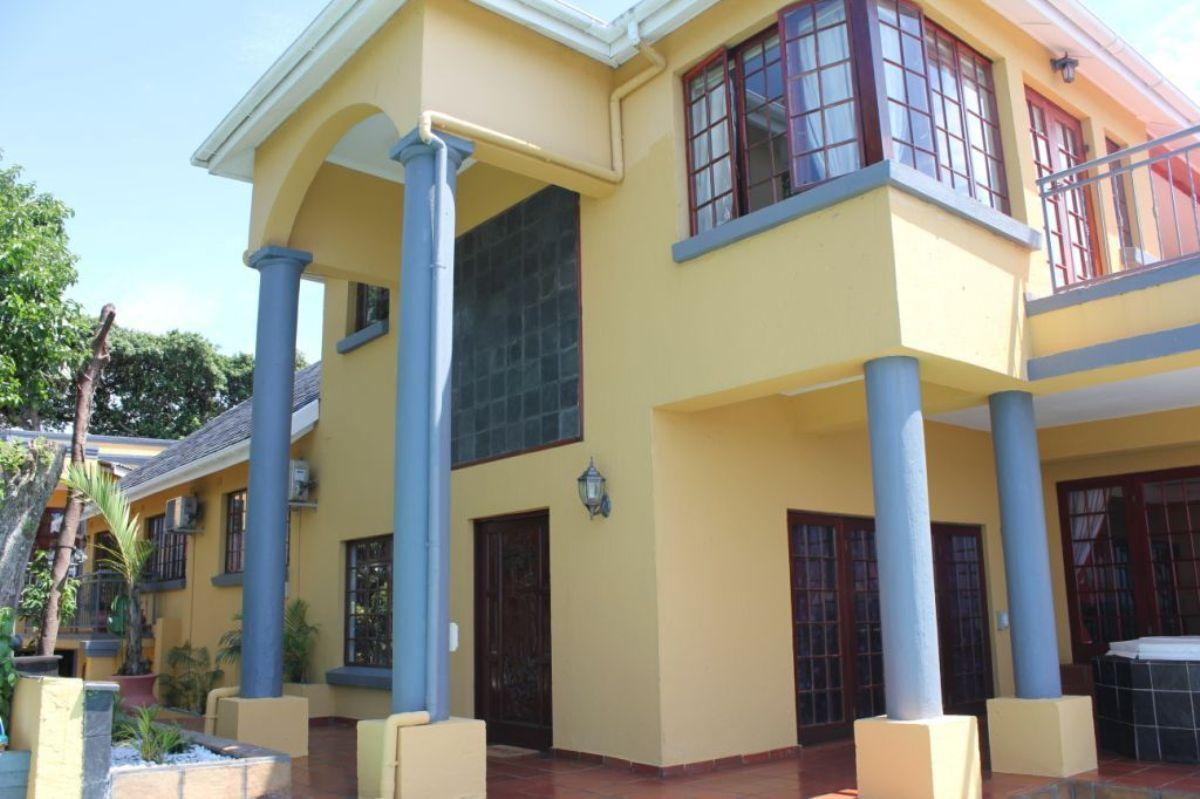 7 Bedroom house for sale in Ballito