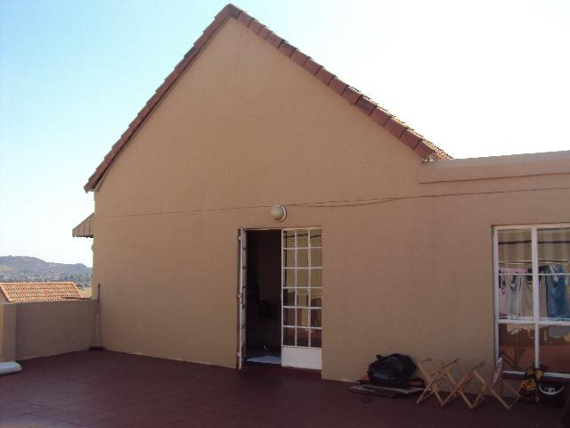 2 Bedroom townhouse - sectional for sale in Ridgeway