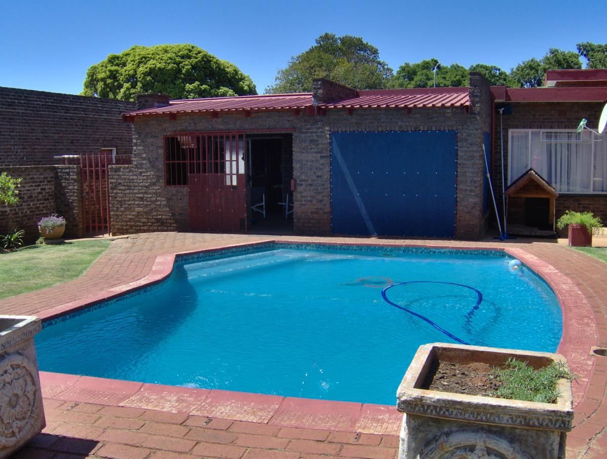 4 Bedroom house for sale in Carletonville Ext 9