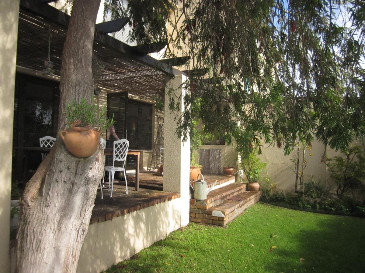 4 Bedroom townhouse - sectional for sale in Tokai