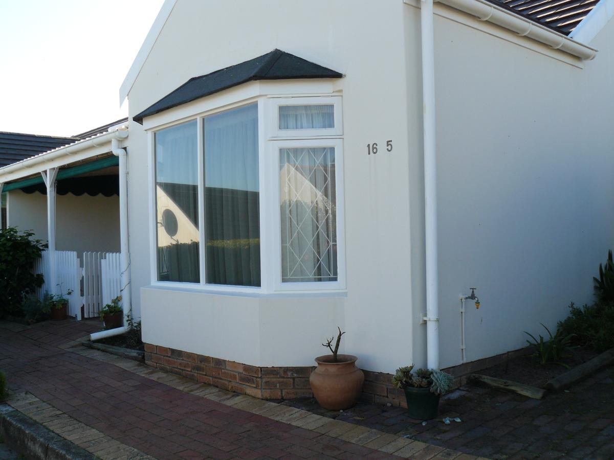 Semi-detached cottage for sale in Hunters Estate