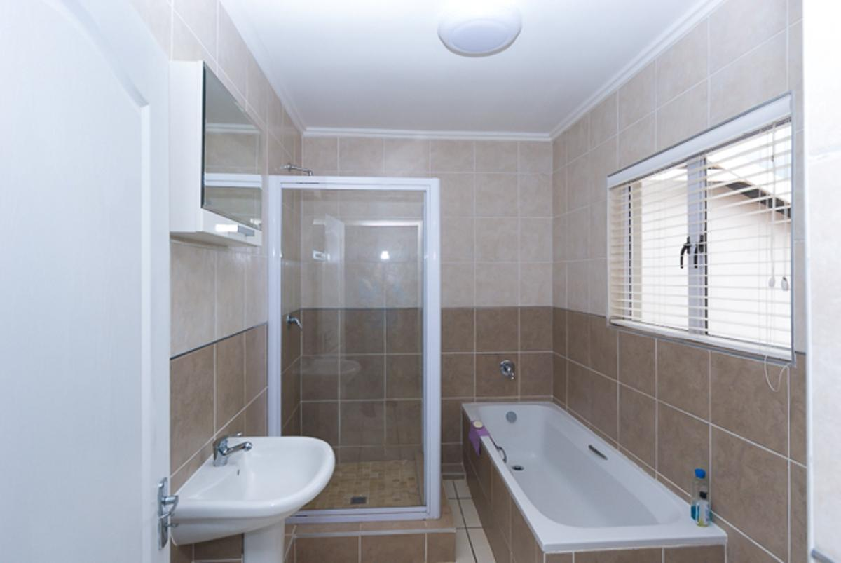 3 Bedroom house for sale in Manor Estates