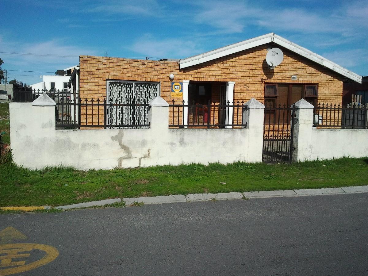 4 Bedroom house for sale in Sunbird Park