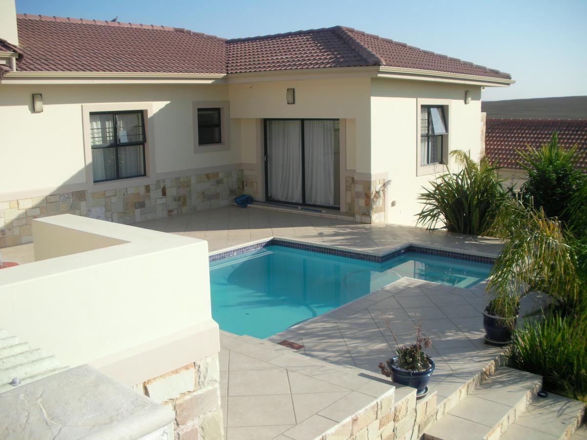 4 Bedroom house for sale in Mount Royal Golf Estate
