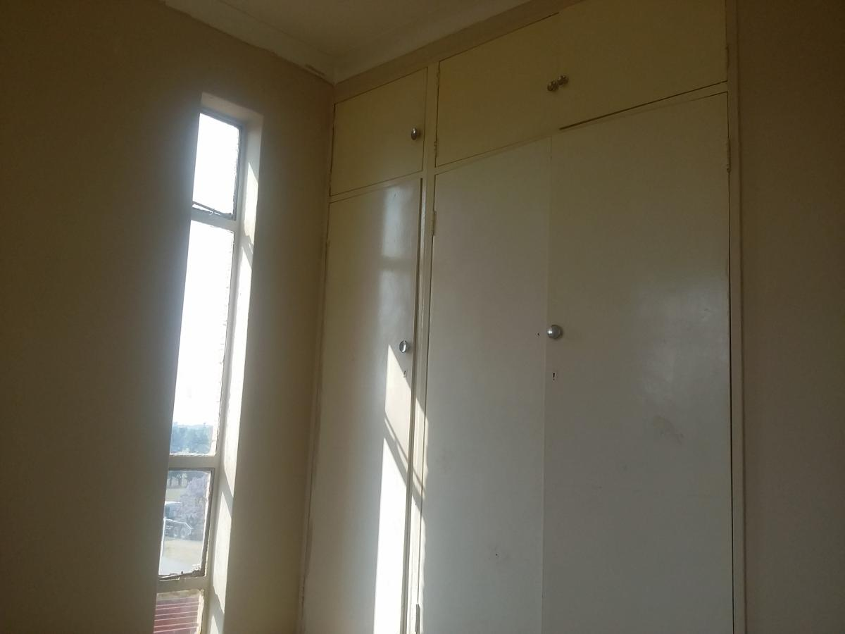1 Bedroom flat for sale in Edleen