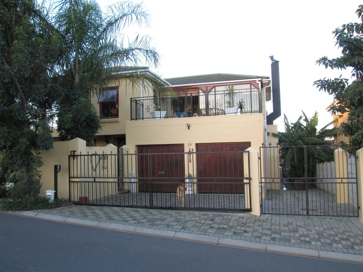 3 Bedroom house for sale in Tafelzicht