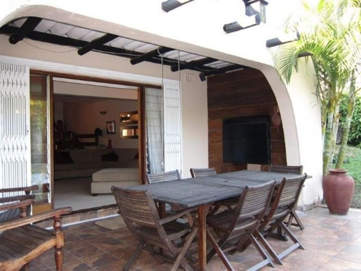 2 Bedroom townhouse - sectional for sale in Amanzimtoti