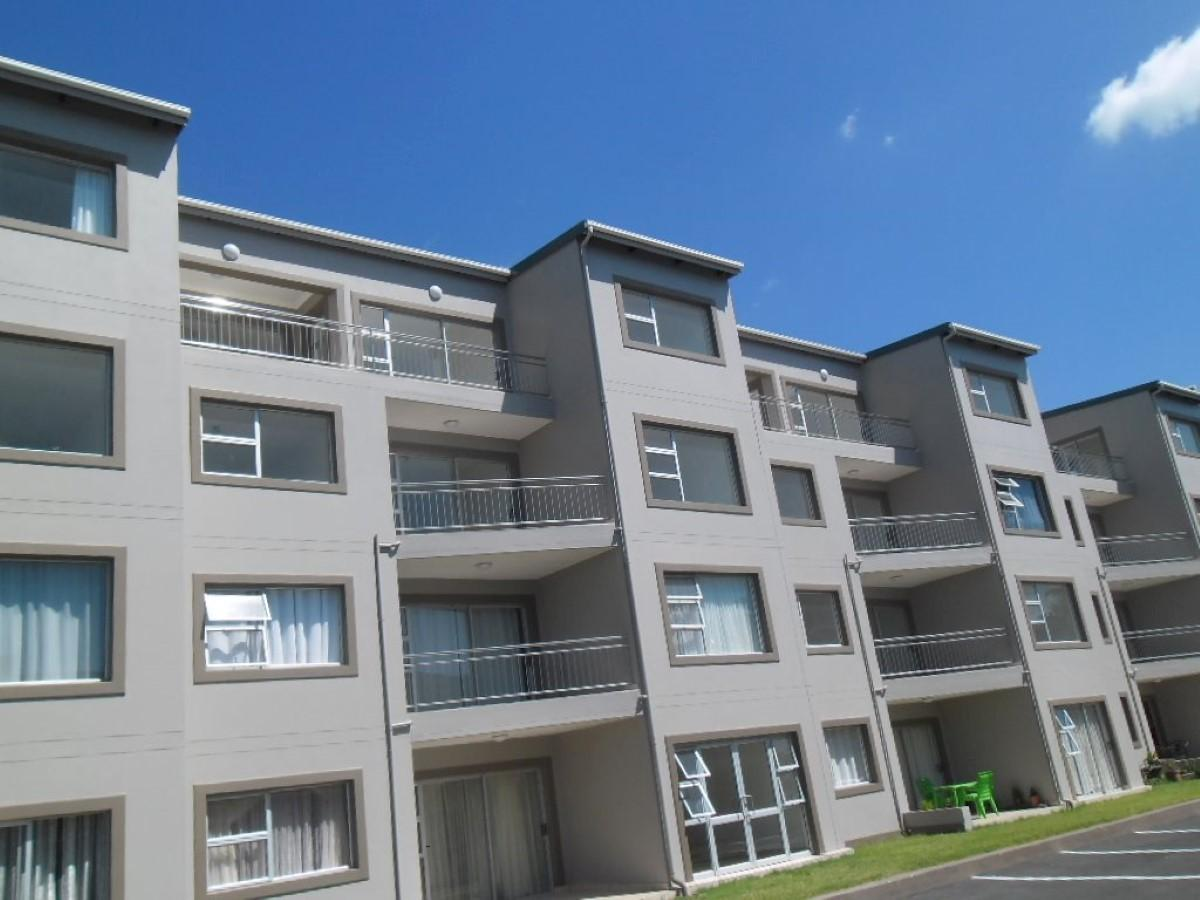 3 Bedroom flat for sale in Athlone Park