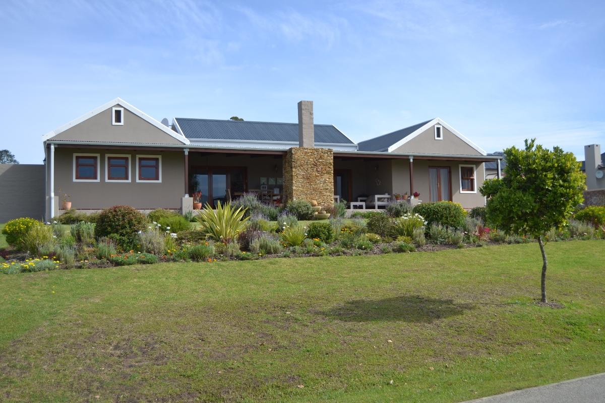 3 Bedroom townhouse for sale in Kraaibosch Country Estate