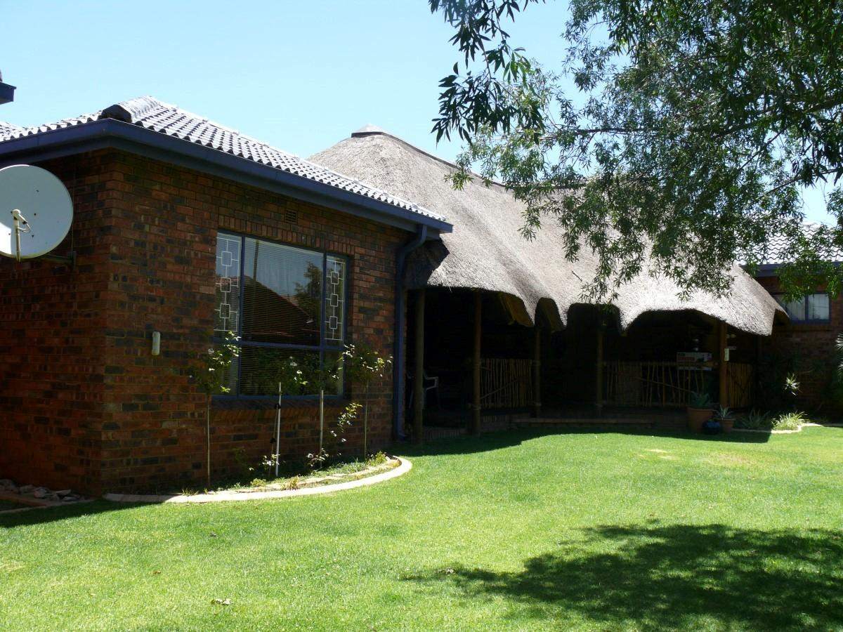 3 Bedroom house for sale in Reyno Ridge Ext 4