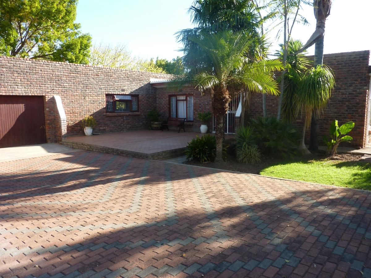 3 Bedroom house for sale in Bloekombos