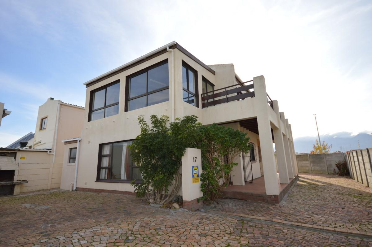 5 Bedroom house for sale in Gordons Bay