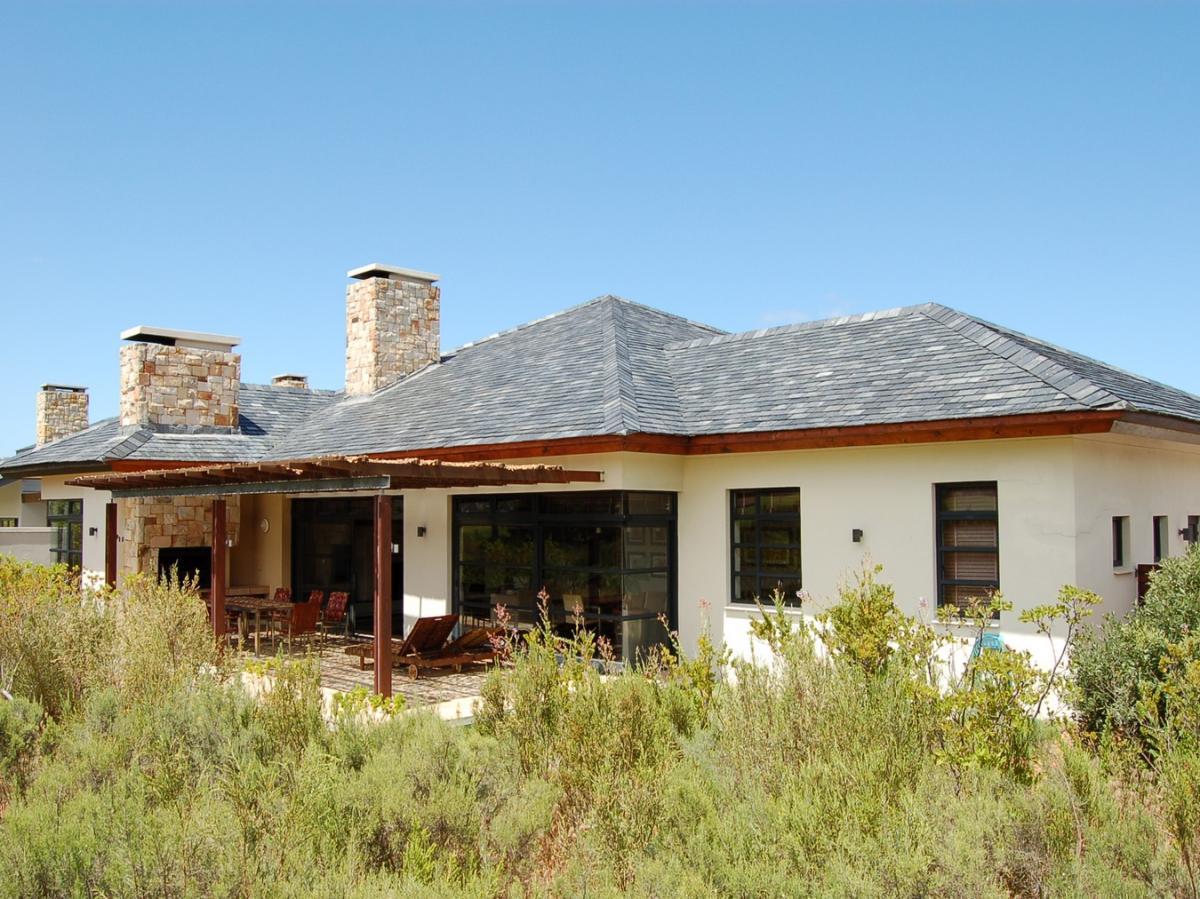 3 Bedroom house for sale in Arabella