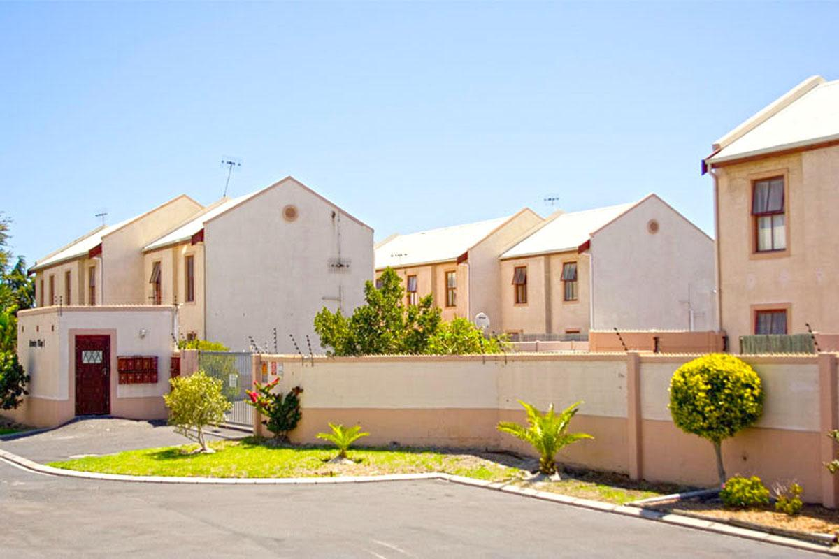 2 Bedroom duplex townhouse - sectional for sale in Parklands