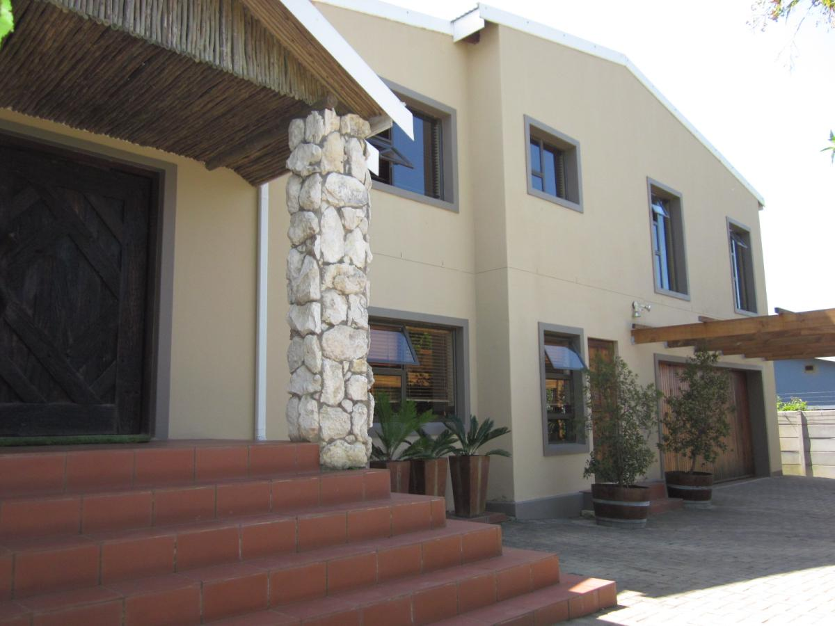 4 Bedroom house for sale in Blanco