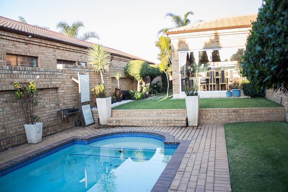 3 Bedroom cluster for sale in North Riding