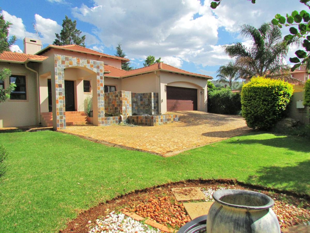 3 Bedroom house for sale in Ruimsig