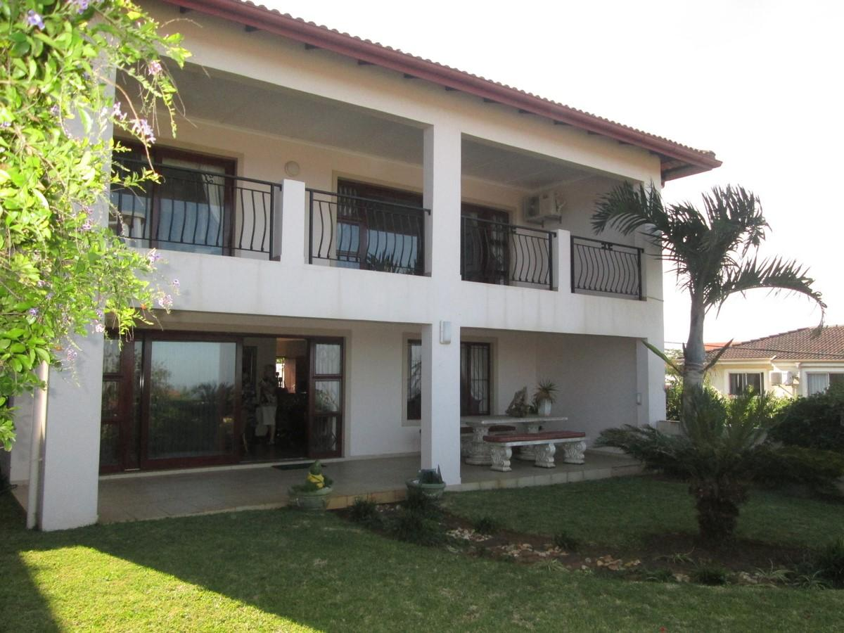 4 Bedroom duplex townhouse - sectional for sale in Sheffield Beach