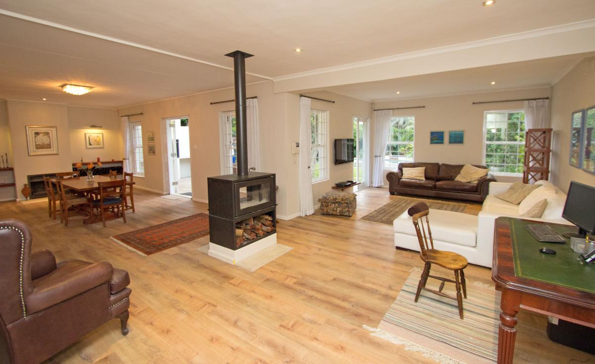 4 Bedroom house for sale in Rondebosch