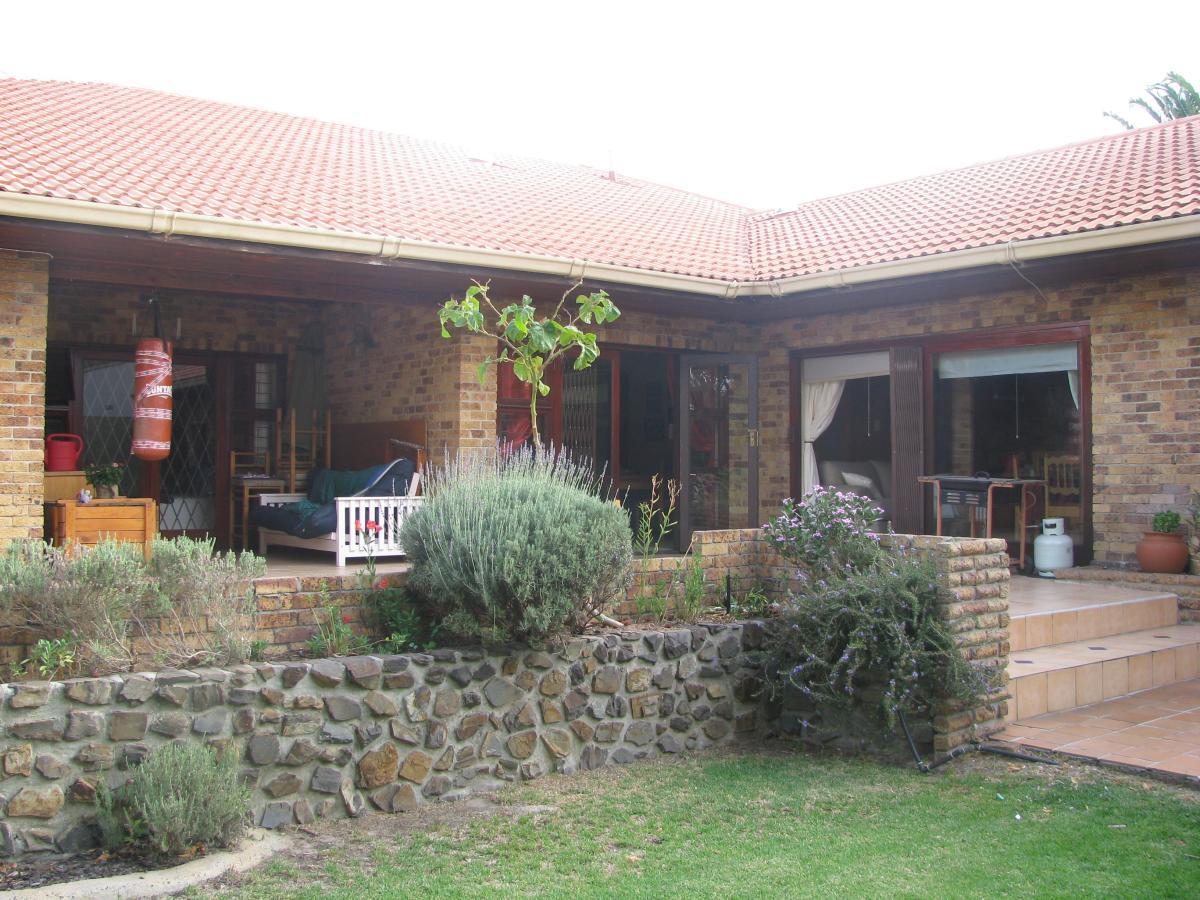 4 Bedroom house for sale in Stellenberg