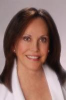 Linda Reyna, a real estate professional in Real-Buzz.com