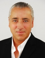 Shimon Ohana, a real estate professional in Real-Buzz.com