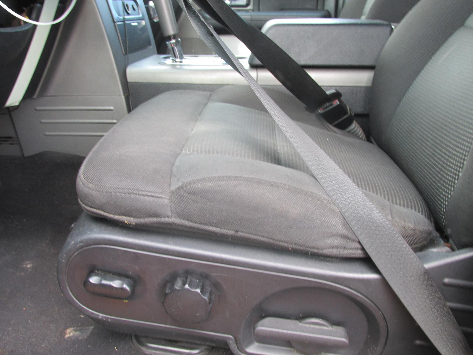 2005 2008 ford f150 driver front seat tracks only w. Black Bedroom Furniture Sets. Home Design Ideas
