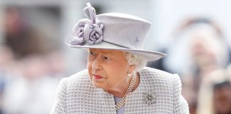 Queen Elizabeth is looking for someone to handle her social accounts