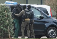 German police arresting a far-right member that plotted to kill muslims and politicians