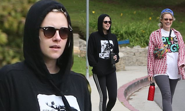 Kristen Stewart Spends Some Time at Empty Park with Friends