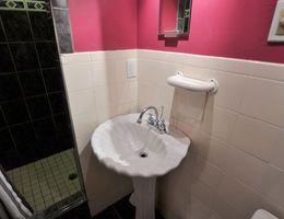 Lower_bathroom