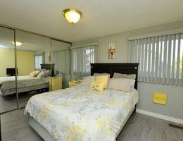 18_webmaster_bedroom