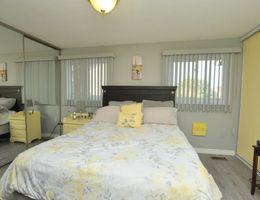 17_webmaster_bedroom2